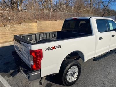 2019 F-250 Crew Cab 4x4, Pickup #CR902219 - photo 4