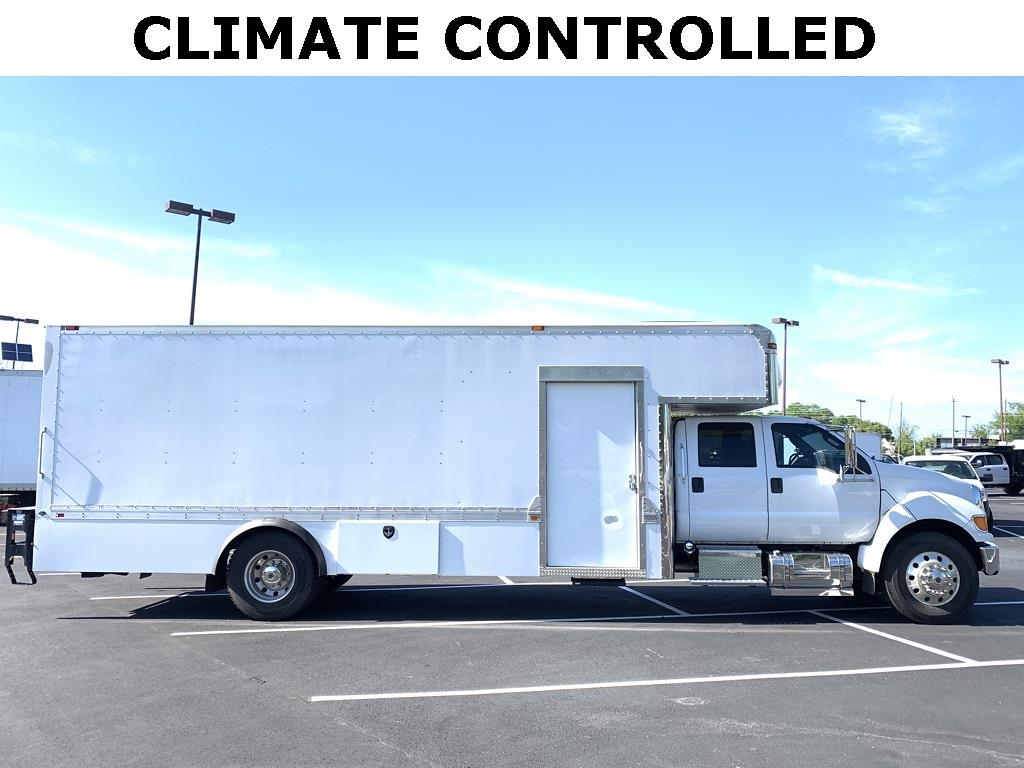 2015 Ford F-750 Crew Cab DRW 4x2, Dry Freight #CR99309 - photo 2