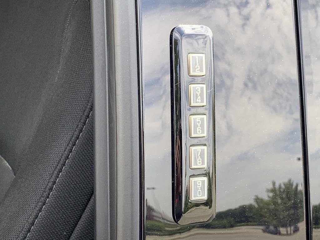 2018 Ford F-150 SuperCrew Cab 4x4, Pickup #CZ00259 - photo 13
