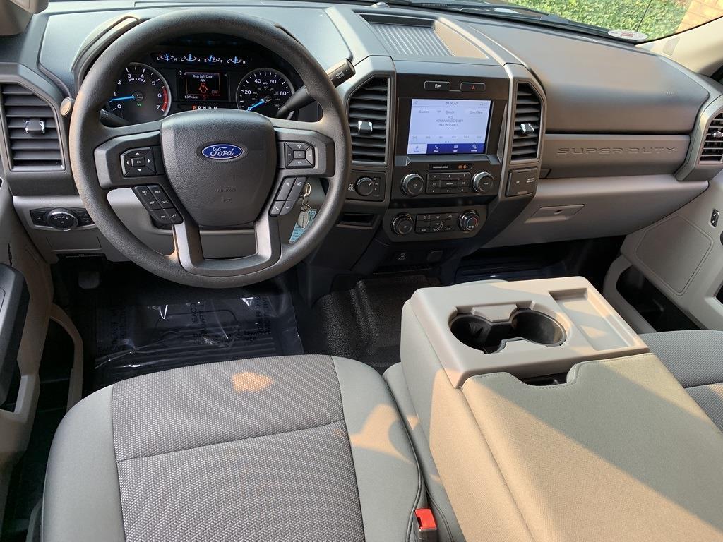 2020 Ford F-350 Crew Cab 4x4, Pickup #CZ01079 - photo 4