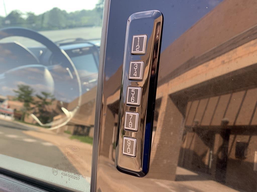 2015 Ford F-150 SuperCrew Cab 4x4, Pickup #CZ01124 - photo 21