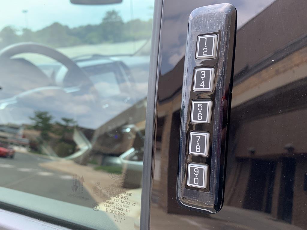 2020 Ford F-150 SuperCrew Cab 4x4, Pickup #CZ01143 - photo 19