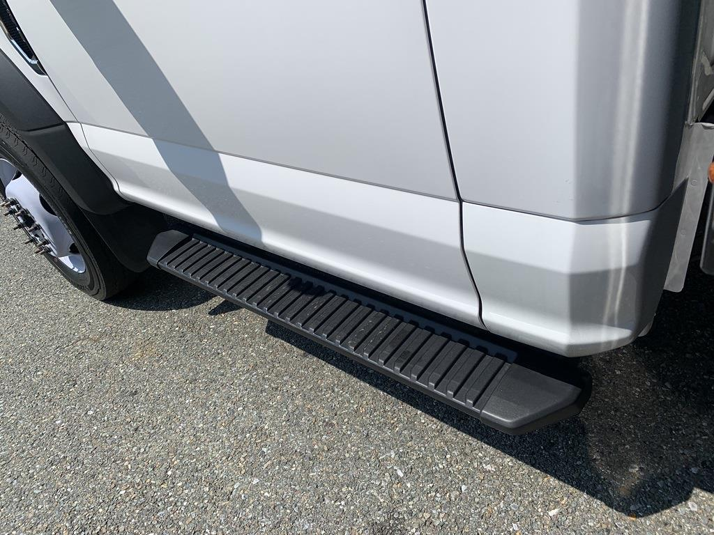2019 F-550 Regular Cab DRW 4x2,  PJ's Truck Bodies Platform Body #CZ01172 - photo 18
