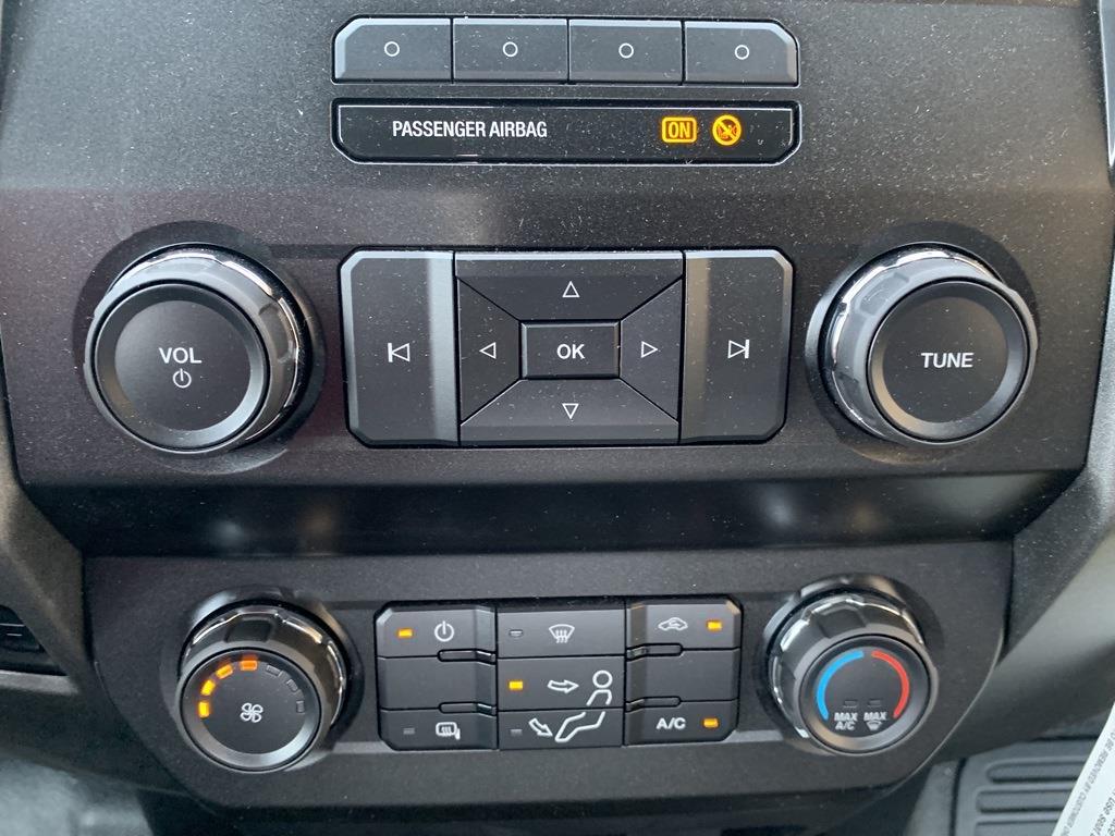 2019 F-550 Regular Cab DRW 4x2,  PJ's Truck Bodies Platform Body #CZ01172 - photo 43