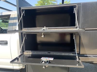 2019 F-550 Regular Cab DRW 4x2,  PJ's Truck Bodies Platform Body #CZ01172 - photo 16