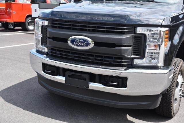 2018 F-350 Super Cab DRW 4x4,  Reading Service Body #N7395 - photo 21
