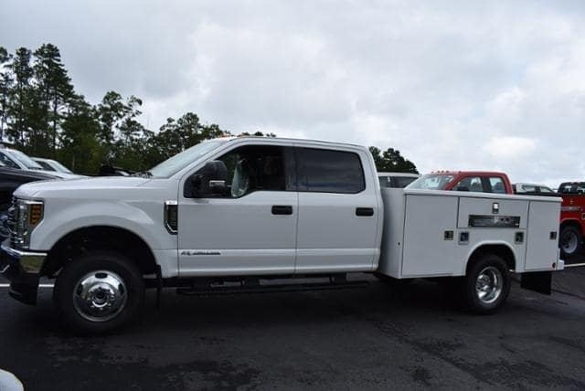 2019 F-350 Crew Cab DRW 4x4,  Reading Classic II Aluminum  Service Body #N7509 - photo 4