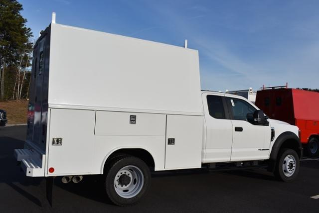 2018 F-550 Super Cab DRW 4x4,  Reading Panel Service Body #N7550 - photo 2