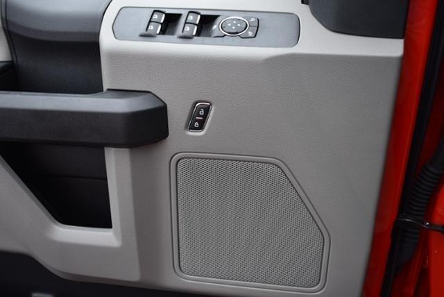 2018 F-550 Super Cab DRW 4x4,  Reading Panel Service Body #N7551 - photo 18