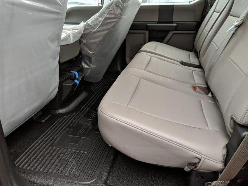 2019 F-350 Crew Cab DRW 4x4, Reading Classic II Aluminum  Service Body #N7643 - photo 20