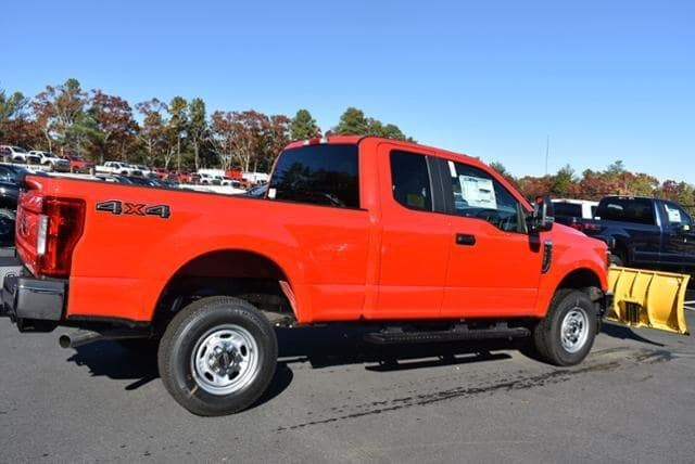 2019 F-250 Super Cab 4x4, Fisher Snowplow Pickup #N7763 - photo 2