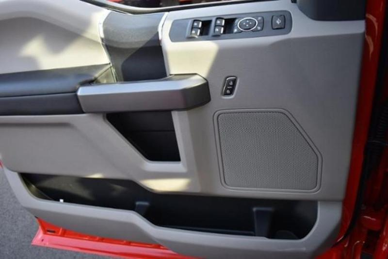 2019 F-350 Super Cab DRW 4x4, Reading Classic II Aluminum  Service Body #N7982 - photo 16