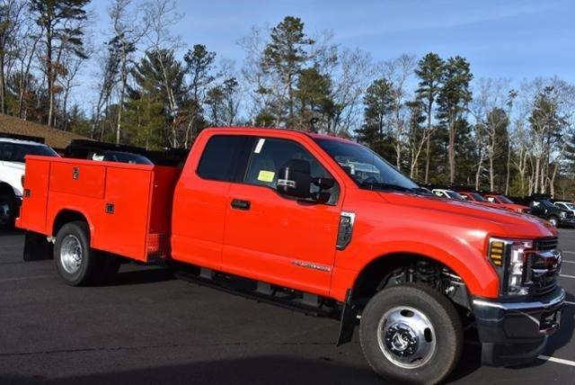 2019 F-350 Super Cab DRW 4x4, Reading Classic II Aluminum  Service Body #N7982 - photo 6