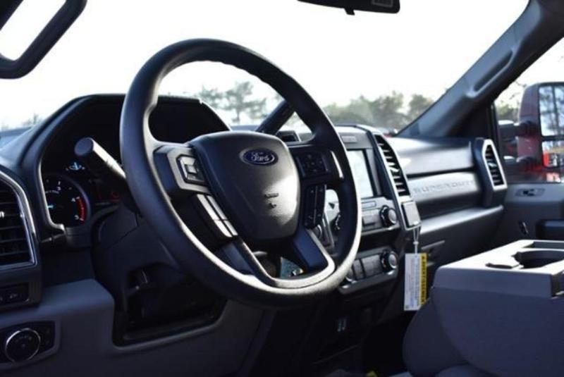 2019 F-350 Super Cab DRW 4x4,  Reading Classic II Aluminum  Service Body #N7982 - photo 24