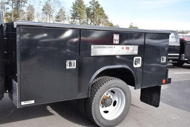 2019 F-450 Crew Cab DRW 4x4,  Reading Classic II Aluminum  Service Body #N8020 - photo 8