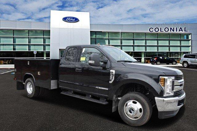 2019 F-350 Super Cab DRW 4x4,  Reading Service Body #N8021 - photo 1