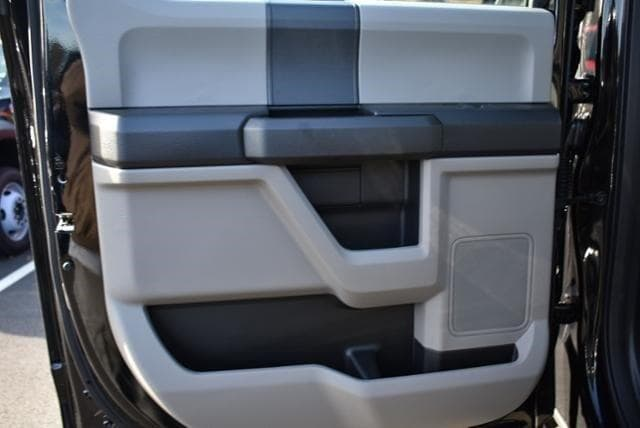2019 Ford F-450 Crew Cab DRW 4x4, Reading Classic II Aluminum  Service Body #N8022 - photo 12