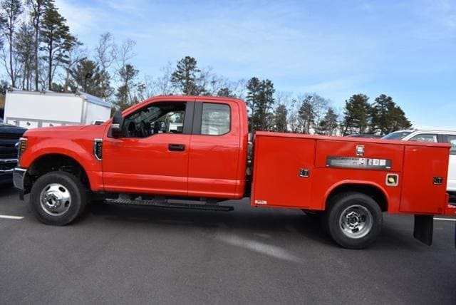 2019 Ford F-350 Super Cab DRW 4x4, Reading Classic II Steel Service Body #N8128 - photo 4
