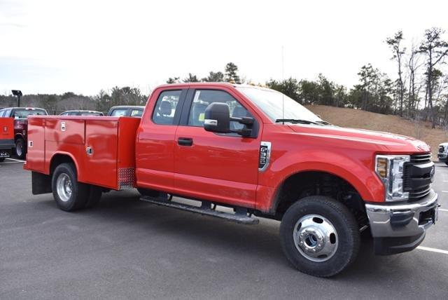 2019 F-350 Super Cab DRW 4x4,  Reading Classic II Steel Service Body #N8128 - photo 3