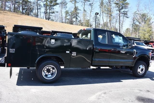 2019 F-350 Super Cab DRW 4x4,  Reading Service Body #N8251 - photo 1