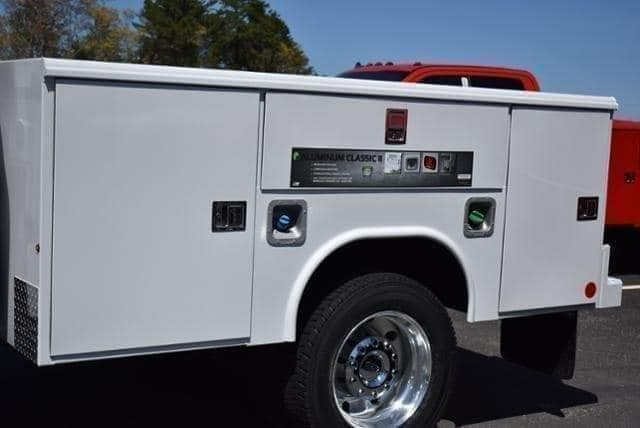 2019 F-450 Crew Cab DRW 4x4,  Reading Classic II Aluminum  Service Body #N8270 - photo 5