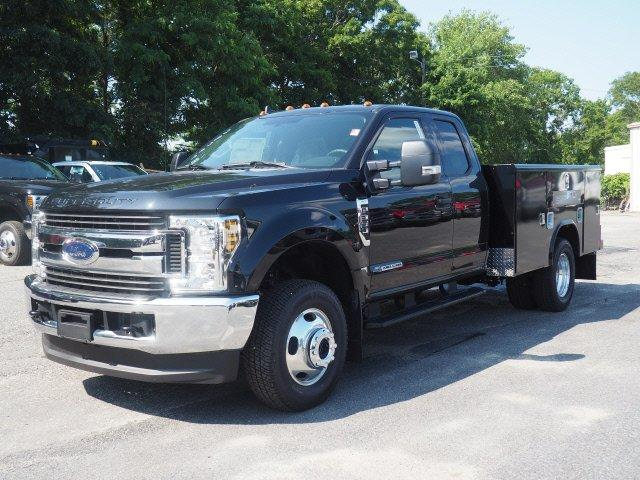 2019 F-350 Super Cab DRW 4x4, Reading Classic II Aluminum  Service Body #N8274 - photo 3