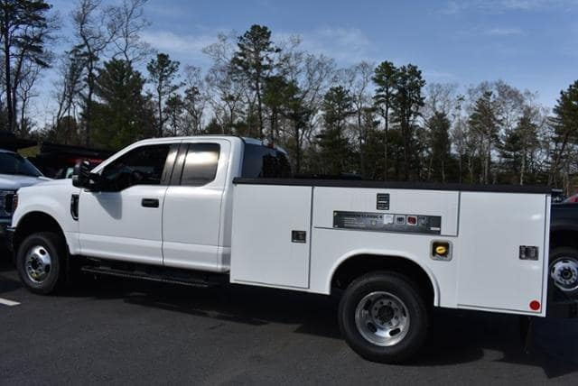 2019 F-350 Super Cab DRW 4x4,  Reading Classic II Aluminum  Service Body #N8278 - photo 4