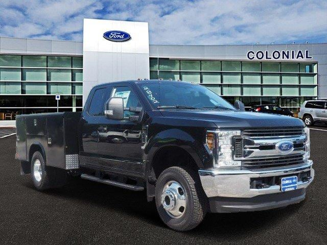 2019 F-350 Super Cab DRW 4x4, Reading Service Body #N8279 - photo 1