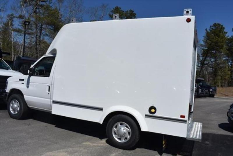 2019 E-350 4x2,  Unicell Aerocell SRW Cutaway Van #N8296 - photo 18