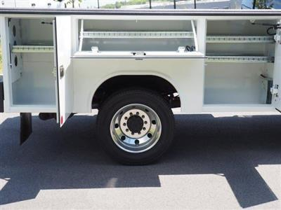 2019 F-550 Super Cab DRW 4x4, Reading Classic II Aluminum  Service Body #N8337 - photo 2