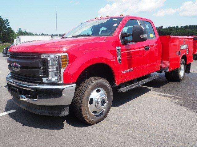 2019 Ford F-350 Super Cab DRW 4x4, Reading Classic II Aluminum  Service Body #N8528 - photo 4