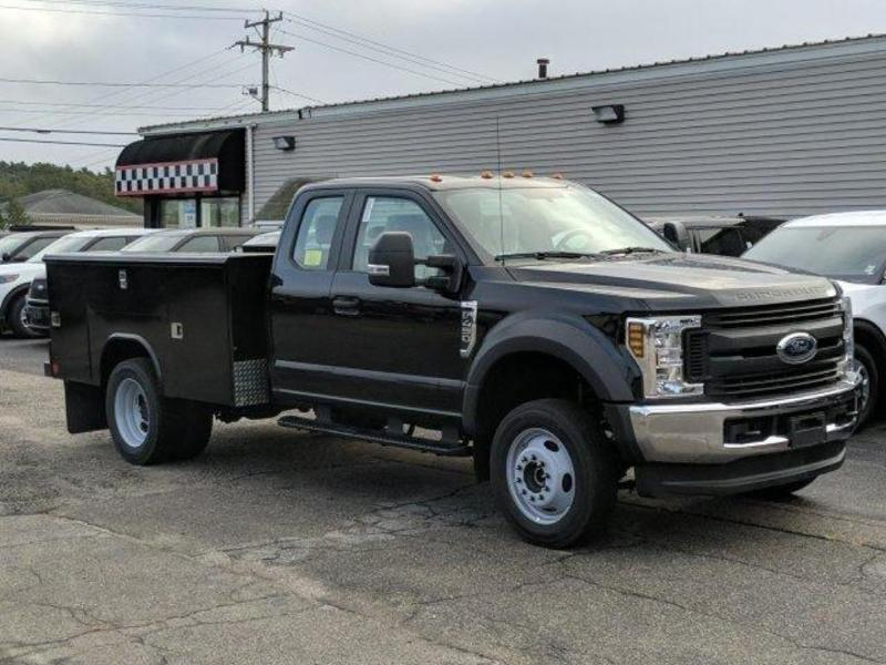 2019 F-450 Super Cab DRW 4x4, Reading Classic II Aluminum  Service Body #N8689 - photo 3
