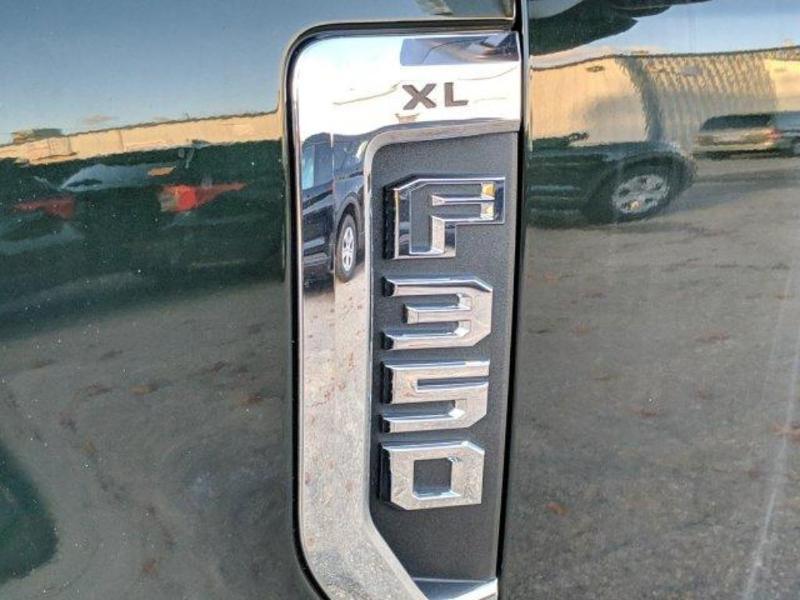 2019 F-350 Super Cab DRW 4x4, Reading Landscaper SL Landscape Dump #N8714 - photo 6