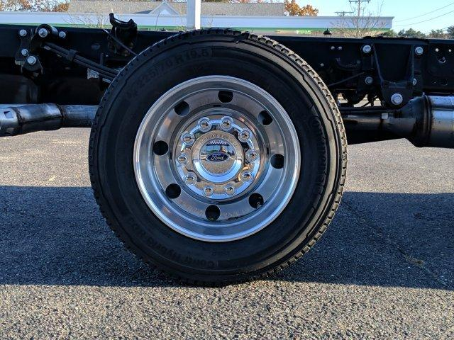 2019 F-550 Regular Cab DRW 4x4, Cab Chassis #N8728 - photo 6