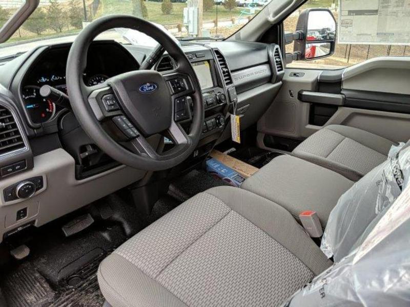 2019 F-550 Super Cab DRW 4x4, Reading Classic II Steel Service Body #N8864 - photo 18