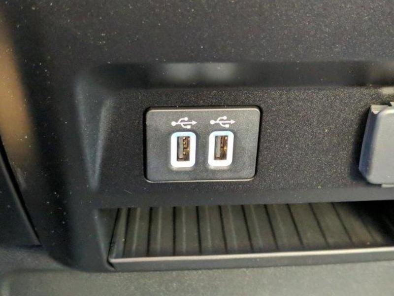 2019 F-550 Regular Cab DRW 4x4, Cab Chassis #N8908 - photo 9