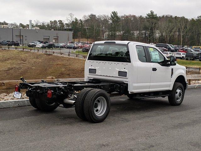 2019 Ford F-350 Super Cab DRW 4x4, Cab Chassis #N9008 - photo 2