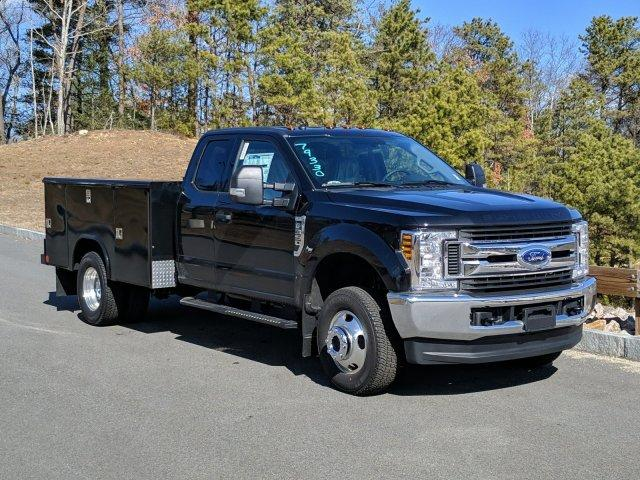2019 Ford F-350 Super Cab DRW 4x4, Reading Cab Chassis #N9020 - photo 1