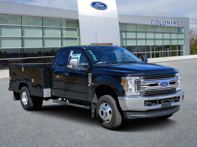 2019 F-350 Super Cab DRW 4x4, Reading Classic II Aluminum  Service Body #N9020 - photo 1