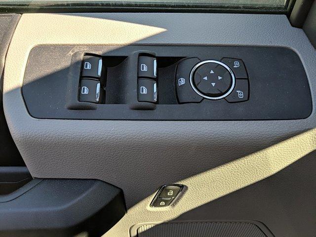 2020 Ford F-350 Super Cab DRW 4x4, Reading Classic II Aluminum  Service Body #N9171 - photo 5