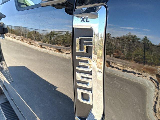 2020 Ford F-350 Super Cab DRW 4x4, Reading Classic II Aluminum  Service Body #N9171 - photo 3