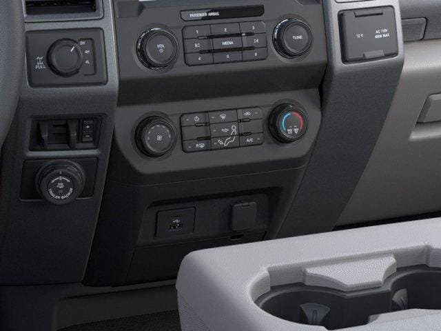 2020 Ford F-250 Regular Cab 4x4, Pickup #N9228 - photo 10