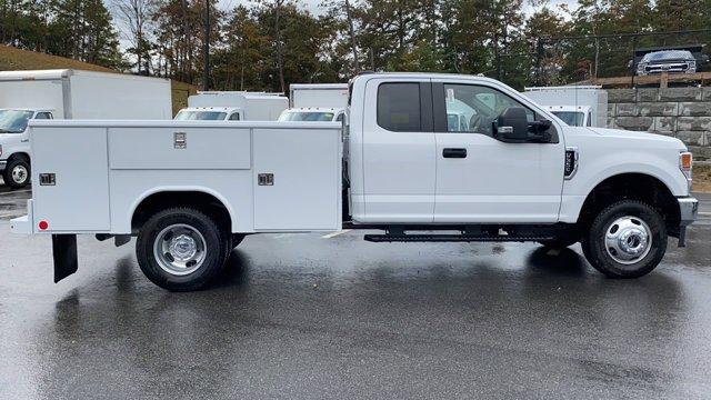 2020 Ford F-350 Super Cab DRW 4x4, Reading Service Body #N9358 - photo 8