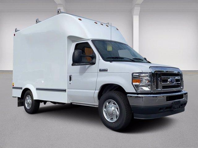 2021 Ford E-350 4x2, Unicell Aerocell CW Cutaway Van #N9460 - photo 1