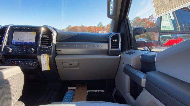 2020 Ford F-550 Crew Cab DRW 4x4, Reading Classic II Aluminum  Service Body #N9615 - photo 14