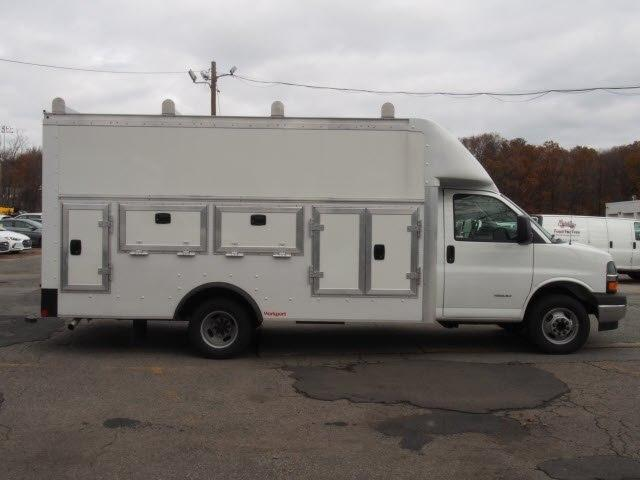 2017 Express 4500,  Service Utility Van #71645 - photo 4