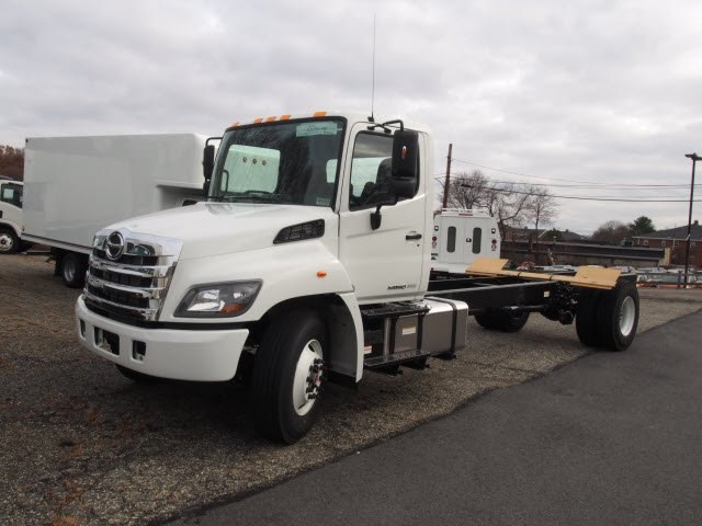 2018 Hino Truck, Cab Chassis #85002 - photo 3