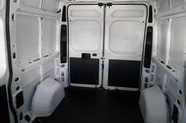 2018 ProMaster 2500 High Roof 4x2,  Empty Cargo Van #18PM108675 - photo 9
