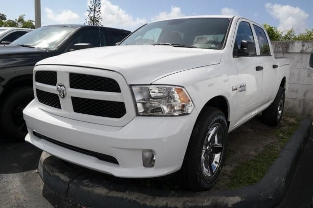 2018 Ram 1500 Crew Cab 4x4,  Pickup #18R295676 - photo 3