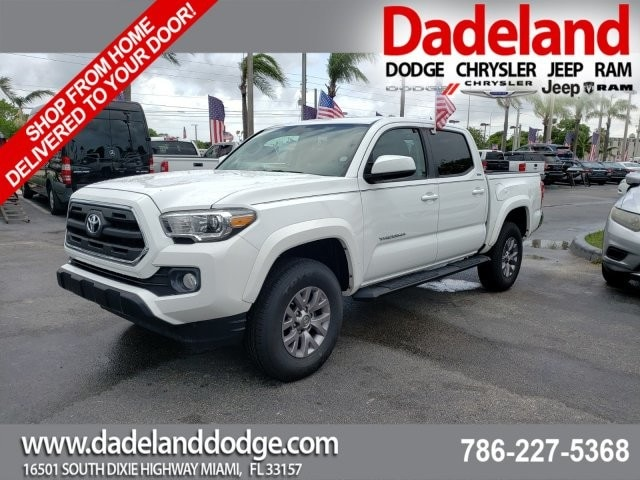 2017 Toyota Tacoma Double Cab 4x2, Pickup #HM043141 - photo 1
